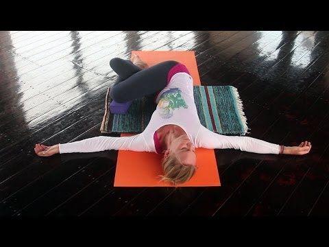 ▶ Mit Yin Yoga Muskeln entspannen, Faszien dehnen, loslassen - YOGAMOUR #60 - YouTube
