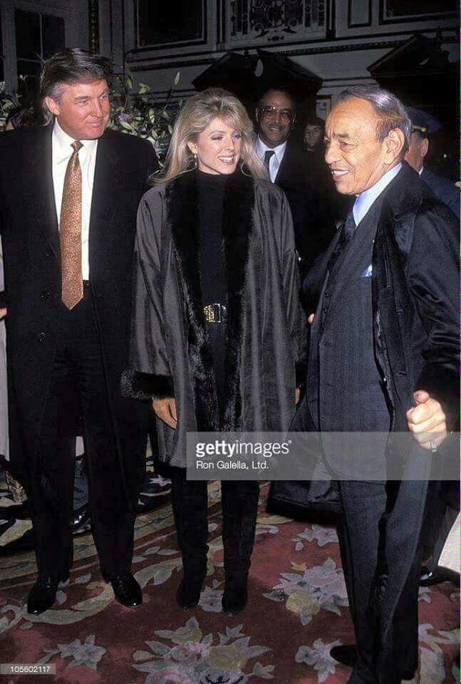 Feu SM le roi Hassan en accompagne de Donald Trump et son ex-femme