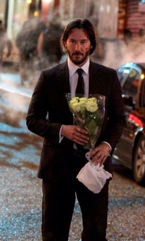 WHY DO WE LOVE JOHN WICK? Because even tough guys like to get flowers now and then. (chicfoo) keanu #johnwick2