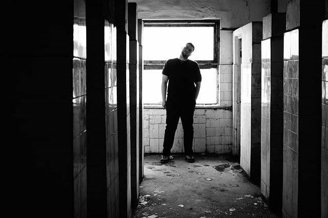 Autoportrait. #monochrome #pierrepichot #fineart #print #autoportrait #urbex #urbanexploration #urban #blackandwhite #abandoned #bnw_legit #bnw_planet #silvermag  #friendsinBnW #bnw_demand #bnw_rose #bnw_society #bnw_drama #sombrebw #bw_mania #igworldclub_bnw #bnwmood #amateurs_bnw #bnw_europe  #bw_perfect #top_bnw #bnw_greatshots #bnw_magazine #bw_lover #bnw_life