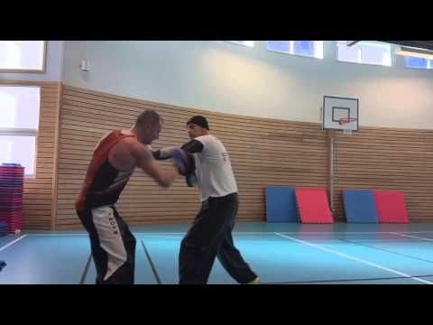 Coach Roger Mittology Training - Mayweather style -with kickboxer champi...