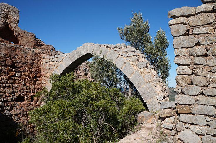 Una pequeña vuelta por el parque natural del desert de les palmes, en esta ocasión para visitar las ruinas del castillo de Miravet de Cabanes.