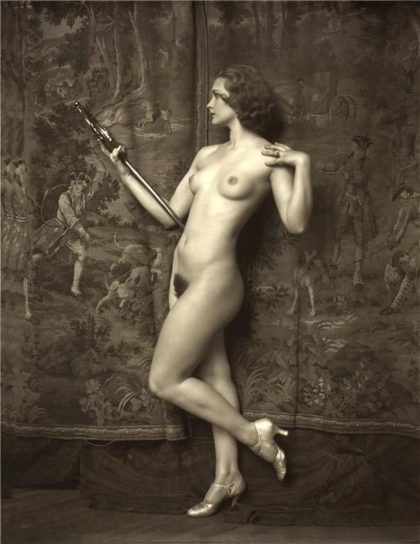 фото девушек ретро голые