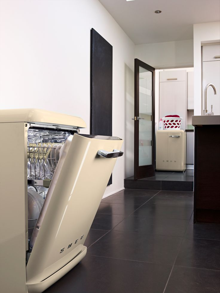 #Smeg Freestanding Dishwasher - DF6FAB - Cream - #MadeInItaly