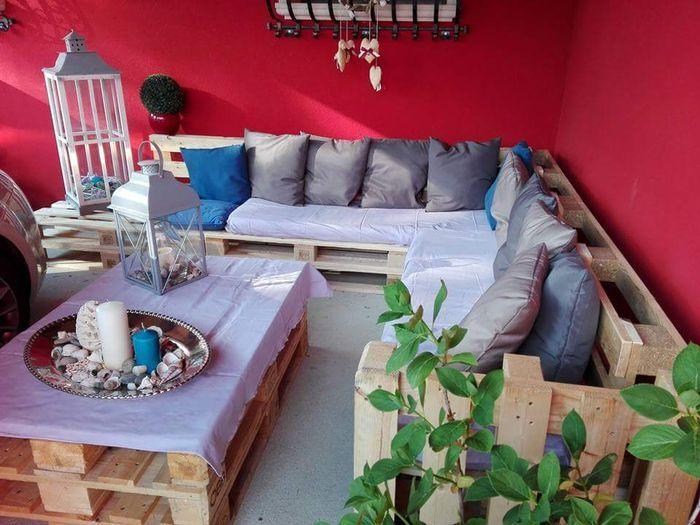 Salotto da giardino con pallet e cuscini colorati ... - Community