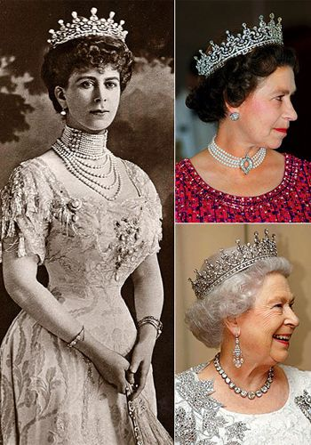 Queen Elizabeth II (right) recesivos this regal headpiece from her grandmother Queen Mary (left). Since then, the crown always appears with the Queen in important events.