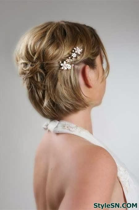 Beautiful short haircuts styles for brides