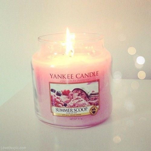 #YankeeCandle  #MyRelaxingRituals Burning Candles, very relaxing, something I do every day!