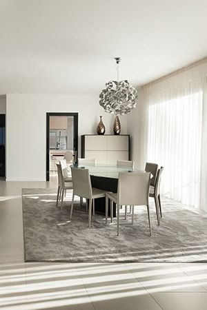 Nettoyer un tapis : Nos conseils pour nettoyer son salon/salle à manger, du sol au plafond - Linternaute