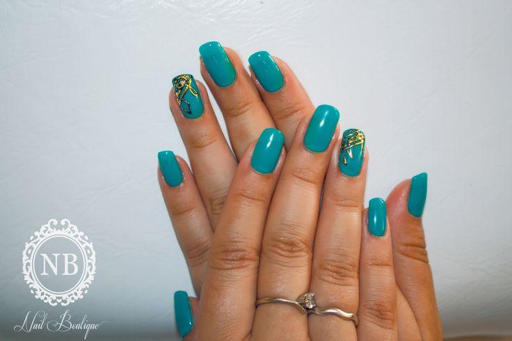 Turqouise nails!