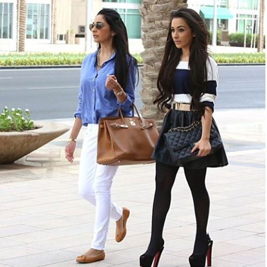 All the girls who want to stay trendy with fashion in Dubai, get inspiration from Dubai street style...