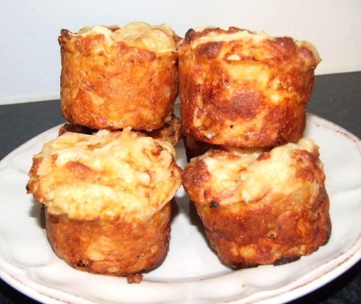 Mandelmjöl KRAV, 200 gKampanj! FiberHusk, 300 g Ja, pizzabullar eller matmuffins, kalla det vad man vill ;)Det var ett lite experiment som blev väldigt lyckat!Här kommer receptet, varsego!Recept på LCHF pizzabullar/matmuffins:2 dl mandelmjöl2 tsk bakpulver2 msk fiberhusk½ tsk salt1 dl keso1 dl creme fraiche1 äggSmaksättning:1 msk steviasötad ketchup alt. tomatpure30-50 gram klippt skinka eller något...