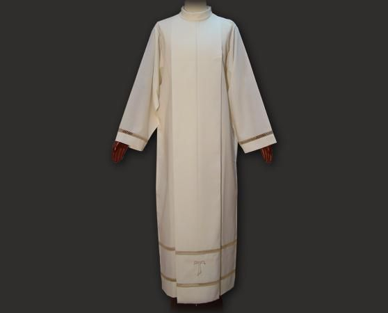 Camice sacerdotale con collo rivoltato e tau ricamato