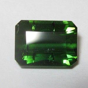 Batu Tourmaline Hijau Tropis 2.35 carat, hijau pekat .. nyala cahaya tajam!