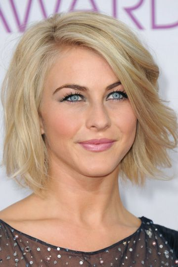 obsessed with her bob! Wish I could pull it off.