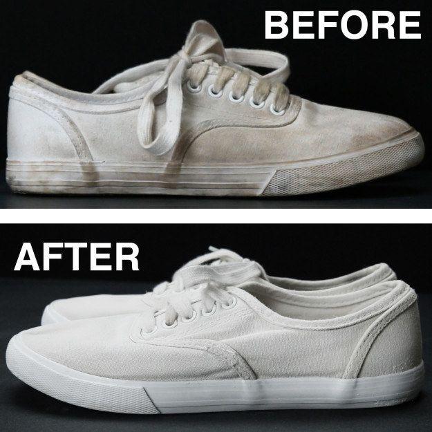 Nettoyer vos chaussures blanches tachées avec un mélange d'eau, de bicarbonate de soude et de peroxyde d'hydrogène. | 4 idées bricolage incroyablement malines et faciles