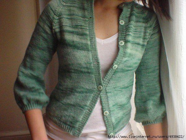 Мастер-класс для новичков и не только. Как правильно разрезать связанную вещь (например, свитер, чтобы превратить его в кардиган, пришив отдельно связанные планки):  Намечаем середину. От нее делаем…