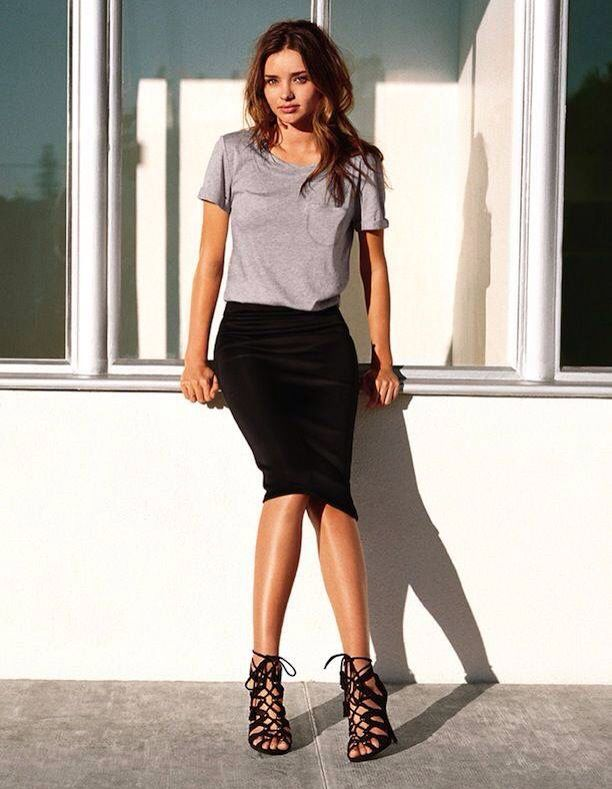 Those shoes. That skirt. //