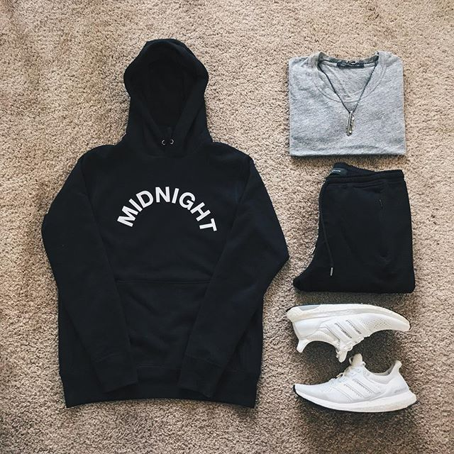 WEBSTA @ ldn2hk - ☁️☁️☁️#outfitgrid @outfitgrid @dennistodisco // Hoodie: #midnightstudios // Tee: #johnelliott // Necklace: #gorostakahashi // Pants: #stampd // Sneakers: #adidasultraboost #triplewhite
