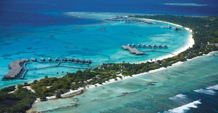 Território ultramarino da França, a Polinésia Francesa é formada por 118 ilhas e atóis, espalhados por uma área com nada menos que 4 milhões de km². Trata-se de um arquipélago que aparece como minúsculos pontinhos na porção do oceano Pacífico que fica ao leste da Austrália. A ilha com o nome mais famoso da Polinésia é o Taiti, mas este pedaço de terra está longe de ter as mais fascinantes belezas da região. Se quiser ver paisagens realmente paradisíacas em uma viagem à área, vá a Bora Bora…