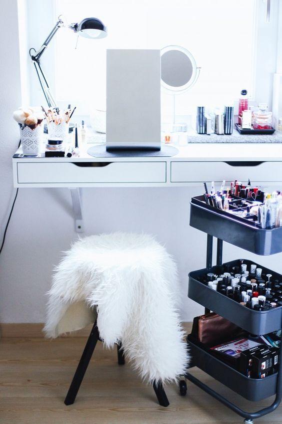 Makeup Aufbewahrung, Schminktisch, Schmink Sammlung, Beauty Bereich, Beauty  Aufbewahrung, Makeup Aufbewahrung