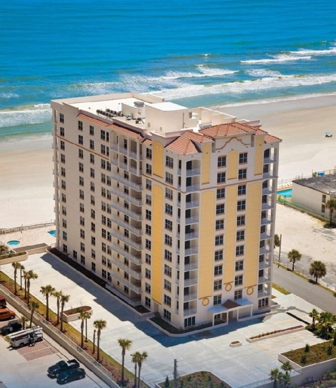 Enjoy your vacation in this lovely three bedroom two bath upscale condo. This is an ocean view, weekly rental property on the first level. There is a pool, exercise room, and rec room. One car allowed in the garage and on street parking is available.  This location is well suited for travel to Daytona Beach, Orlando is an hour an a half away, and there is an airport at Daytona Beach.  This is a great place to stay for anyone that enjoys the beach and is located so that access to conferences…