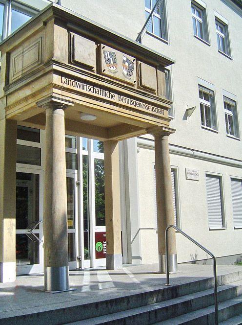 """Bayreuth, Dammallee 7, ehemaliges Wohnhaus von Richard Wagner 1872-1874 (jetzt """"Landwirtschaftliche Berufsgenossenschaft"""")."""
