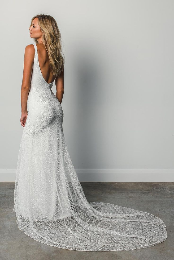 Sexy, elegant and feminine, Dominique is created from the most beautiful combination of textured layered laces and embroideries that hug and compliment the curves of the body.