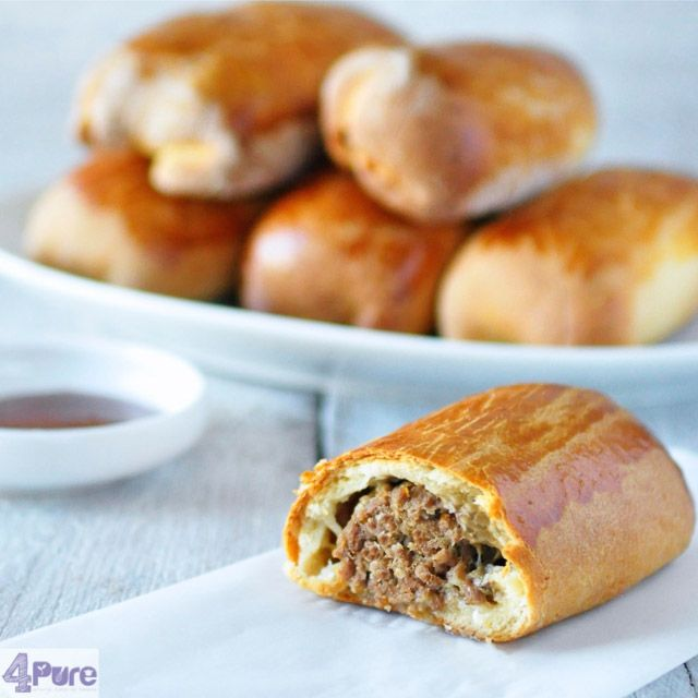 Dutch Sausage rolls- English recipe - Dutch sausage rolls, flavorful sausage covered by a crispy bread dough. Ones tasted you know why it's such a popular and traditional recipe in the Netherlands.