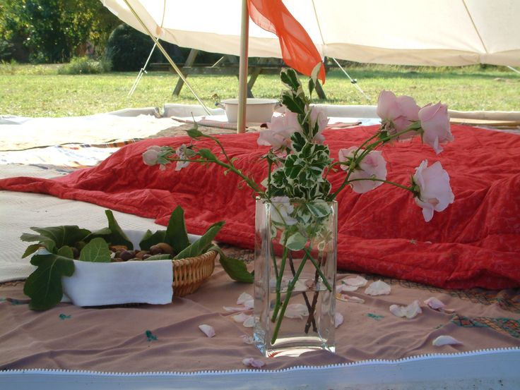 Cool tents, by Pukka Tents!   Pukka 5M Zipped bell tent with rolled sides www.pukkatents.co.uk