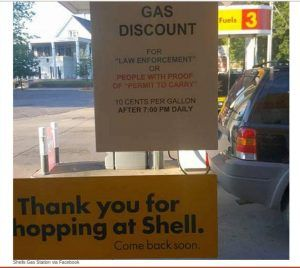 Minnesota Gas Station Discourages Robbers by Offering Discount Fuel for Gun Carriers