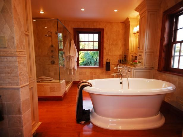Don't love the room, but like the tub