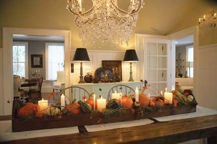 Thanksgiving Table Centerpiece Ideas.  This room is simple, elegant and warm.