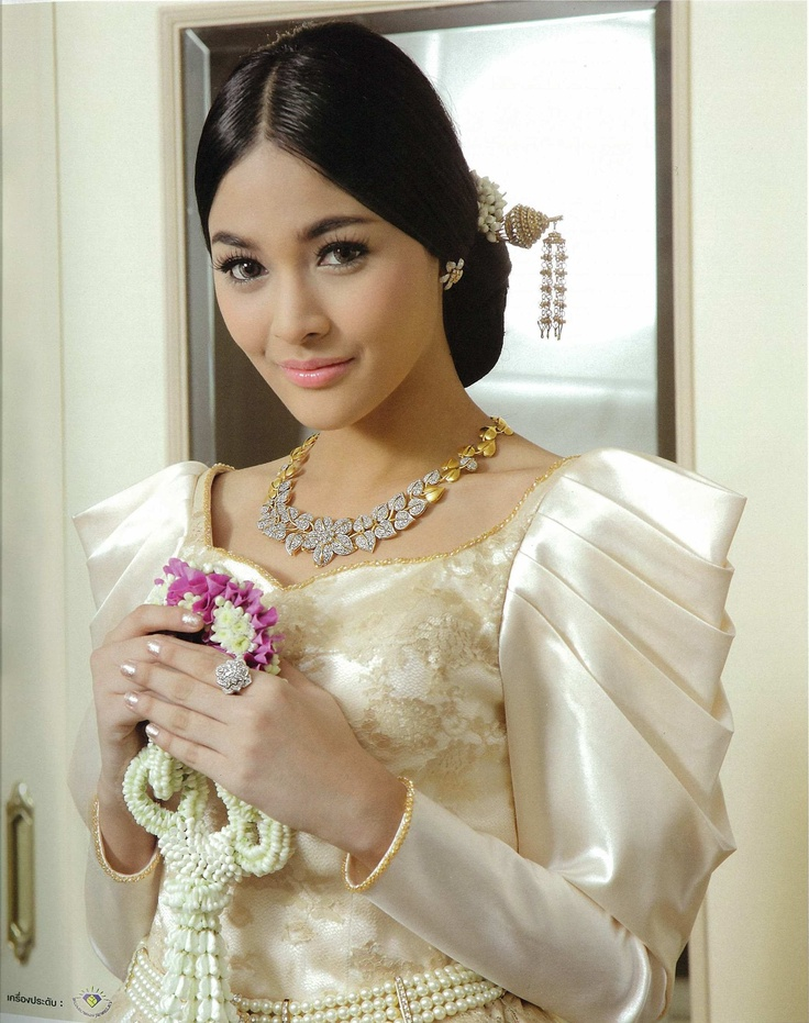 'Classic Love Memory' fashion shoot (Oct 2012) for Bride magazine @ The Sukosol with Khun Pooklook-Fanthip Watcharatrakul, Miss Thailand Universe 2010, model/actress. Photographed by Akawut Ruangsri.