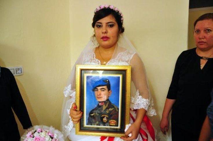 Δεν κατάφερε να πάει στο γάμο του και η νύφη παντρεύτηκε μόνη της