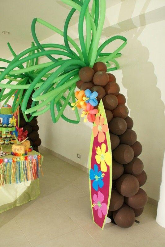 palmeras realizadas con globos as como unas fiestas