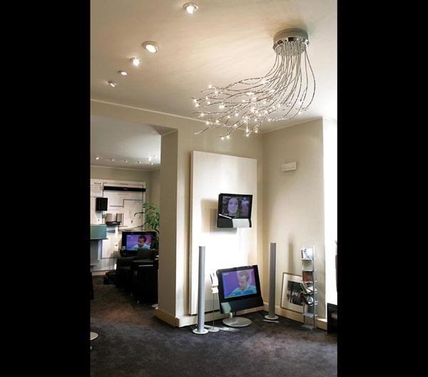 Φωτιστικό οροφής σε διάφορα μεγέθη. Ένα μοντέρνο φωτιστικό υψηλής ποιότητας και αισθητικής το οποίο θα εναρμονιστεί άψογα με τα έπιπλά σας. Δώστε στο χώρο σας τη λάμψη που επιθυμείτε με φωτιστικά που εντυπωσιάζουν.  https://www.milanode.gr/product/gr/1392/%CF%86%CF%89%CF%84%CE%B9%CF%83%CF%84%CE%B9%CE%BA%CF%8C_%CE%BF%CF%81%CE%BF%CF%86%CE%AE%CF%82_mistral.html  #φωτιστικο #φωτιστικα #μοντερνο #μοντερνα