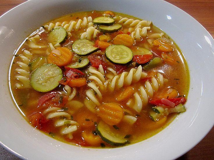 15 Minuten-Gemüse-Nudel-Suppe, ein schönes Rezept aus der Kategorie Gemüse. Bewertungen: 365. Durchschnitt: Ø 4,4.