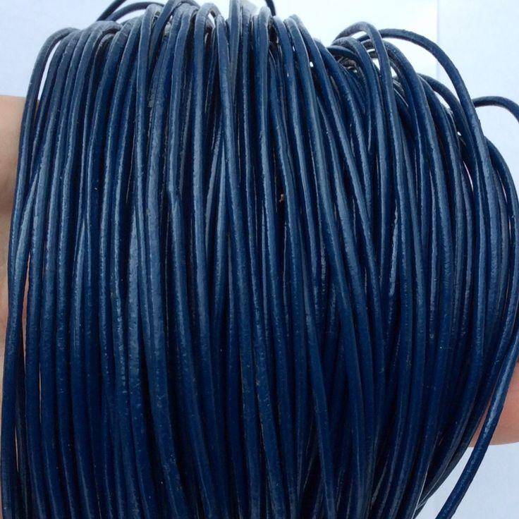 Купить или заказать Шнур кожаный 2 мм синий для украшений в интернет-магазине на Ярмарке Мастеров. Кожаный шнур натуральный, синий. Шнур кожаный, мягкий, диаметр 2 мм.