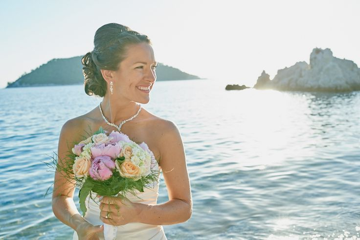Love the colors scheme of beautiful bride Lillie. Skopelos wedding by daphneweddings.com
