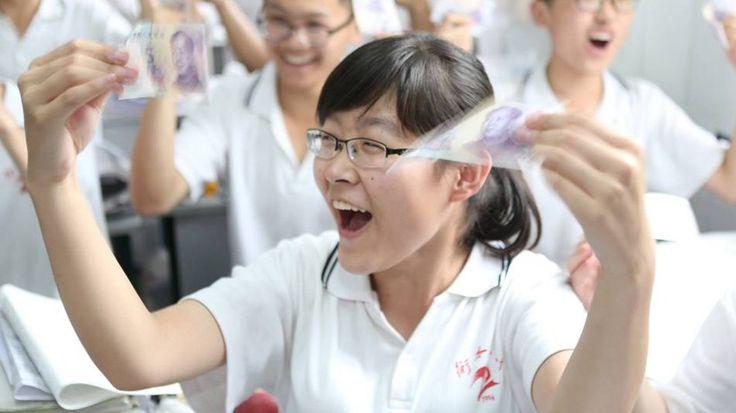 Más de nueve millones de chinos se enfrentan estos días al 'gaokao', la prueba de acceso a la universidad. El objetivo es acercarse en lo posible a la máxima nota, 750 puntos.