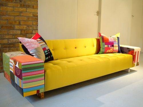 decoração com sofá de palete amarelo - Pesquisa Google
