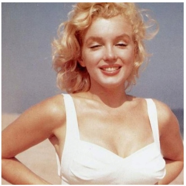 Thigh Gap Marilyn Monroe
