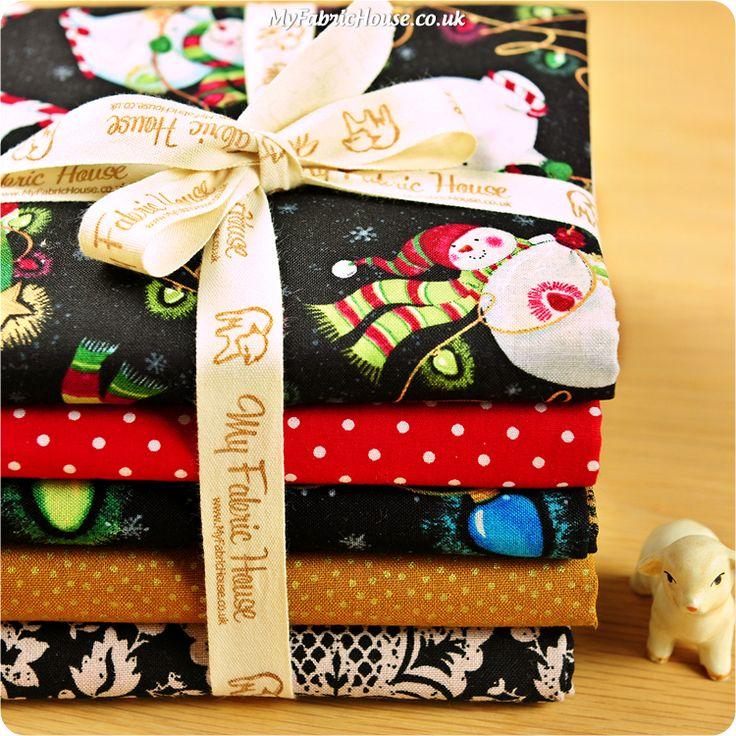 Christmas ♥ 49x47cm Snowman & Xmas Light Black & Beige 5 Fat Quarters Cotton Fabric Bundle £14.99