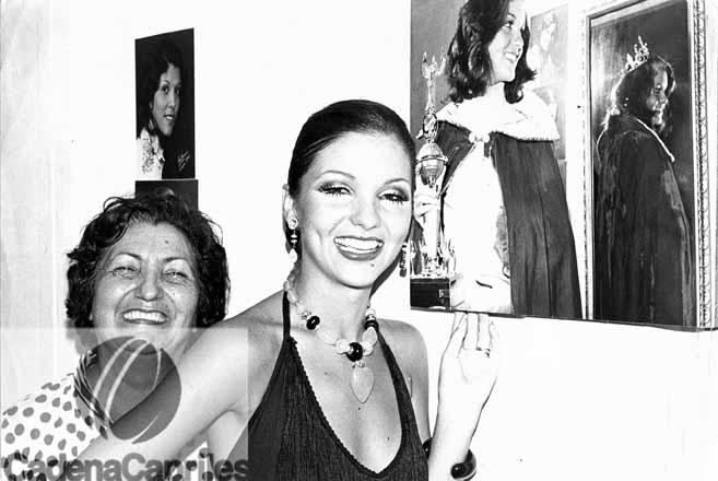 Elluz Peraza, actriz, junto a su madre. Foto Gilberto Román/Cadena Capriles
