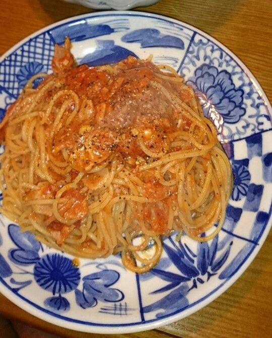 トマトとニンニクとツナパスタ