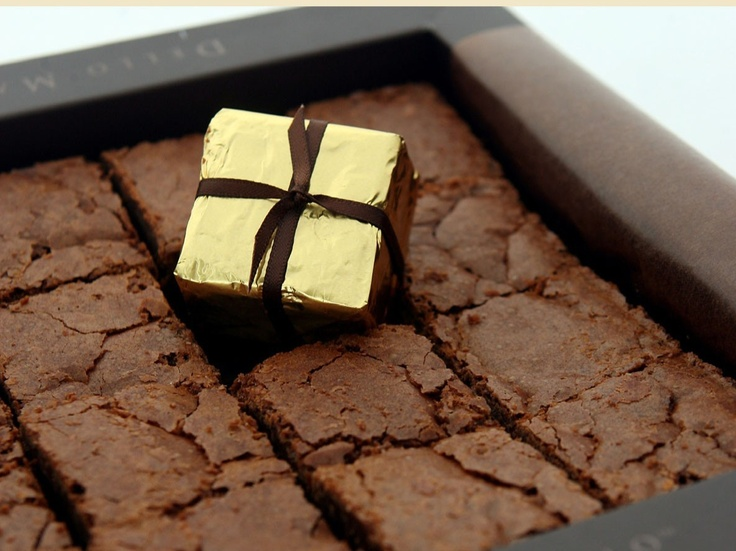 Luxury Brownie Gift Box (580g) $84.95 (AUD) | FREE Delivery