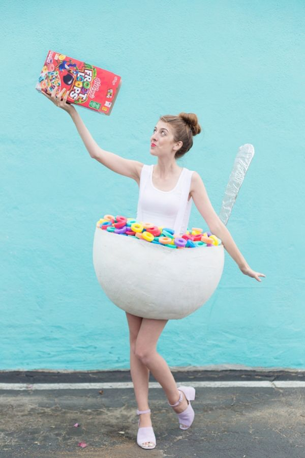 DIY Cereal Bowl Costume by Studio DIY: http://www.stylemepretty.com/living/2015/10/15/boo-studio-diys-best-cutest-halloween-costumes/ | Photography: Jeff Mindell - http://jeffmindellphotography.com/