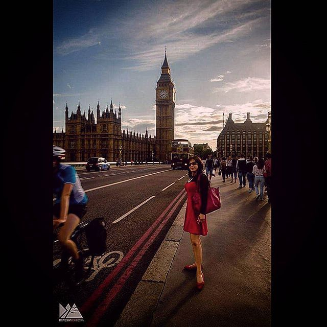 #lady in #red  #thisislondon #London #londonpop #rsa_ladies #rsa_streetview #photography #photooftheday #streetphotographer #streetphotography #colourphotography #sky #bigben #fashion #travelphotography #travel #londonphotographer #londonpic #london4all #vscolondon #vscocam