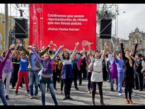▶ En estas Fiestas Patrias baila al ritmo de la Blanquirrocola - YouTube